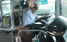 """Những câu chuyện đáng yêu của bác tài xe buýt 54 và rổ tiền lẻ đầy tình người giữa Sài Gòn: """"Nếu quên, bạn cứ lấy tiền lẻ để mua vé"""""""