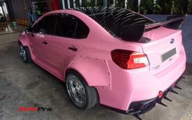 Mang sơn hồng nữ tính nhưng chiếc Subaru của dân chơi Sài Gòn lại độ thân rộng, chế cần số như cán kiếm Nhật