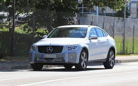 Mercedes-Benz GLC Coupe lộ diện với cụm đèn pha mới