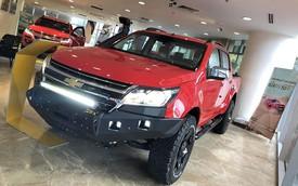 Đại lý chính hãng tự độ bán tải phong cách offroad: Chevrolet Colorado và Ford Ranger đội giá hơn trăm triệu đồng