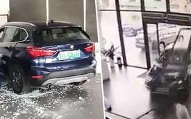 Lái thử BMW X1, người phụ nữ lao thẳng xe vào đại lý