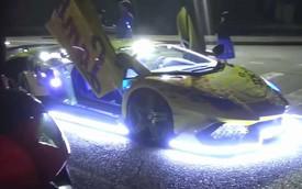 Choáng ngợp dàn 20 siêu xe Lamborghini trình diễn ánh sáng trên đường phố đêm