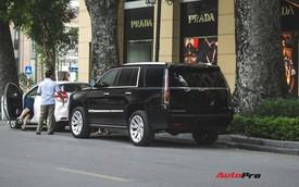 """""""Khủng long Mỹ"""" Cadillac Escalade 2018 lần đầu dạo phố sau khi vừa về tay chủ nhân mới"""