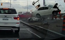 Đi sai gặp người đi sai hơn, Volkswagen Jetta nát đầu, văng xa vài mét