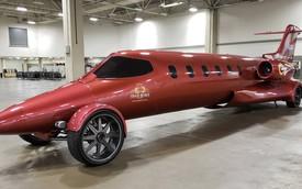 Dân chơi biến phi cơ riêng thành limousine đầu tiên trên thế giới