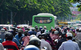 Đi lại dịp nghỉ lễ Quốc khánh: Vé xe tăng 40%, vé tàu giảm 20%