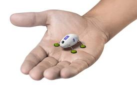 Bảo dưỡng động cơ kiểu siêu sang: Dùng robot Rolls-Royce nhỏ trong lòng bàn tay
