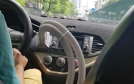 Tài xế Việt tự chế điều hoà hàng ghế sau xe Kia Morning từ ống nước máy giặt
