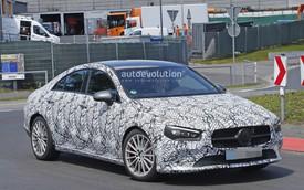 "Mercedes-Benz CLA-Class 2019 lộ diện, liệu có ""dẫm chân"" A-Class sedan?"
