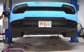 Thay dầu cho Lamborghini Huracan có khó như với Bugatti Veyron?