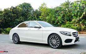 Mercedes-Benz C300 AMG nội thất màu hiếm vừa lăn bánh hơn 6.000 km đã được rao bán với khoản khấu hao cả trăm triệu đồng