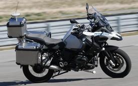BMW Motorrad tự lái: Chẳng ai mua mô tô về để ngồi không
