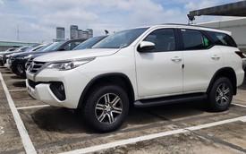 Đại lý tiết lộ thời điểm bán Toyota Fortuner lắp ráp trong nước, hàng nhập vẫn sốt, giá cao