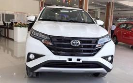 Có hay không chuyện Toyota Rush kèm phụ kiện hơn trăm triệu đồng mới giao xe?