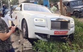 Chưa kịp đăng ký biển, chủ Rolls-Royce Ghost đã tự gây tai nạn