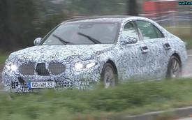 Mercedes-Benz S-Class 2020 chạy thử dưới mưa nhưng lại bị phát hiện ra điều mới mẻ này