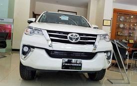 Toyota Fortuner lần đầu mất ngôi vương SUV 7 chỗ tại Việt Nam