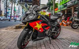 BMW S1000RR lên tem cờ đỏ sao vàng cổ vũ U23 Việt Nam đá bán kết