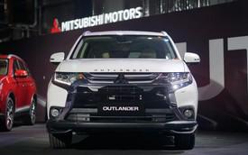 Mitsubishi Outlander CKD xuất xưởng với giá từ 808 triệu đồng, tạo sức ép lên Honda CR-V
