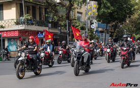 Dàn ô tô, mô tô phân khối lớn mang cờ tổ quốc xuống cổ vũ U23 Việt Nam