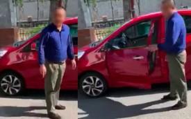 """Nam tài xế GrabCar lên tiếng sau clip chửi bới, giơ tay đánh nữ khách hàng vì phải đợi 2 phút: """"Tôi chỉ dùng tay gạt điện thoại"""""""