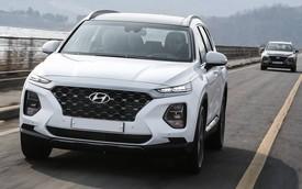 """Những trang bị trên Hyundai Santa Fe quốc tế mà bản """"full option"""" tại Việt Nam đã bị cắt bỏ"""