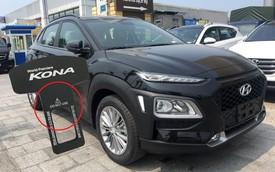 Món phụ kiện dành cho Hyundai Kona in dòng chữ khiến người mua giật mình suy ngẫm