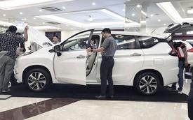 Thời mua ô tô như bao cấp tại Việt Nam: Cầm phiếu chờ tới lượt, có tiền chưa chắc đã có xe
