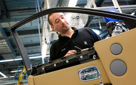 Rolls-Royce đứng trước thách thức không thể lắp được xe