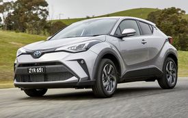 Toyota bất ngờ nâng cấp C-HR - mẫu crossover hạng B đấu Hyundai Kona và Mazda CX-3