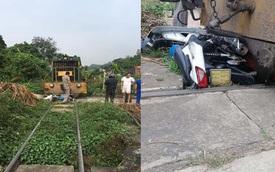 Xe máy chở 3 người bị tàu hỏa tông trúng, cháu bé 3 tuổi rơi xuống gầm thoát chết thần kỳ