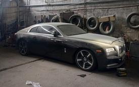Chiếc Rolls-Royce Wraith hàng hiếm của đại gia Việt nằm phủ bụi hàng tháng trời