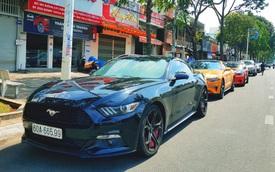 Dàn xe 'cơ bắp Mỹ' Ford Mustang rủ nhau tề tựu tại nhà hàng của doanh nhân Nguyễn Quốc Cường