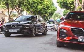 Hội VinFast Lux và nhóm chơi xe thể thao, xe sang cùng tụ tập trên phố Hà Nội
