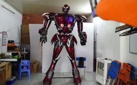 Fan Việt chế tạo robot như Transformers: Nói được tiếng Việt, làm từ phế liệu xe máy Honda và SYM