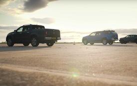 So tài bộ tứ bán tải: Ford Ranger Raptor tỉ thí cả đàn anh F-150 Raptor cùng cái kết bất ngờ