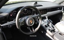 Porsche Panamera facelift lộ nội thất, dùng vô lăng giống 911