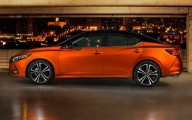 Xe hot Nissan Sentra chốt giá quy đổi từ 442 triệu đồng, đấu Honda Civic