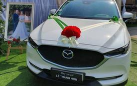 Bố mang ô tô Mazda CX-5 tiền tỷ để trước rạp cưới, tặng ngay con gái trong lễ thành hôn