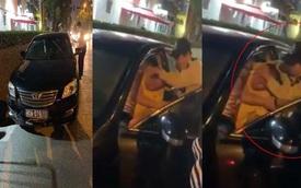 Hà Nội: Xe Camry biển xanh 80A gây tai nạn rồi bỏ chạy, tài xế cố thủ trong xe
