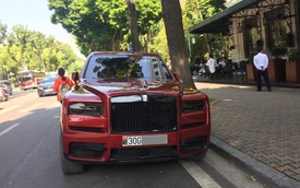 Rolls-Royce Cullinan màu đỏ hàng độc ra biển trắng sau một thời gian dài về Việt Nam