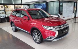 Cuộc đua giảm giá xe bằng chiêu thức mới trên thị trường ô tô Việt: Đổi ra tiền mặt tới cả trăm triệu đồng