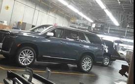 Lộ nội, ngoại thất 'khủng long' Cadillac Escalade mới đối đầu Mercedes-Benz GLS