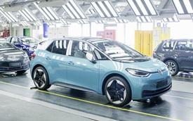 """Volkswagen gây bão vì lộ cách sản xuất """"cứ làm rồi sửa"""""""