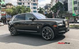 Rolls-Royce Cullinan màu đen lạ xuất hiện trên đường phố Hà Nội dễ gây nhầm lẫn