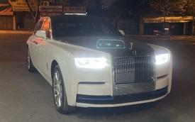 Rolls-Royce Phantom VIII thứ 2 về Việt Nam lộ nội thất Bespoke với màu sắc tương phản diện mạo bên ngoài
