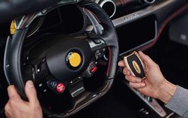 Khóa xe toàn kim cương, vàng, đá quý của Bugatti Chiron: Đắt ngang 3 lần Bentley Bentayga mà vẫn thừa tiền mua 2 chiếc Toyota Camry