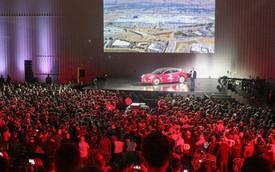 Khách hàng Tesla đứng ngồi không yên vì phiên bản giá rẻ bỗng nhiên biến mất trên trang chủ hãng