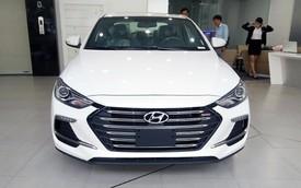 Đón đầu phiên bản mới, Hyundai Elantra giảm giá cho khách Việt tại đại lý