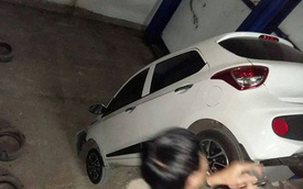 Hàng chục ô tô bị 'nhốt' trong hầm chung cư sau sự cố hy hữu